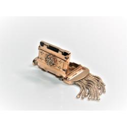 French 18K gold locket
