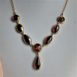 Perpignan garnet necklace